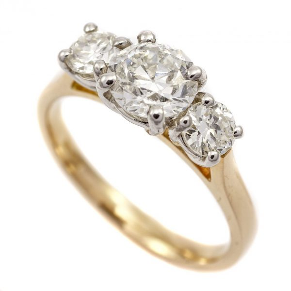 How To Sell A Diamond Ring Uk